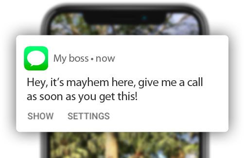 A mobile push notification on an Android mobile phone that says 'Hey, it's mayhem here! Call me as soon as you get this'